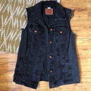 Levi's Sleeveless Gray Distressed Denim Vest